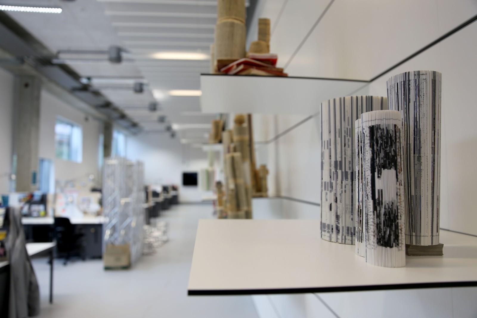 ÅPNET: Kunst- og designhøgskolen rommer studenter som utforsker mange estetiske retninger.