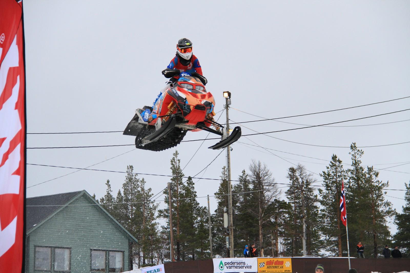 Treningen på crossbanen på Kvenvikmoen utenfor Alta før VM.