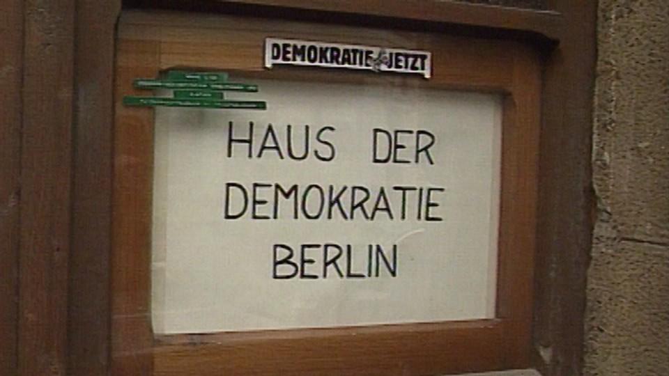 DDR fortsetter revolusjonen (Øst-Tyskland fortsetter revolusjonen)