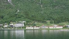 Hotel Alexandra og Loenfjord hotel. Foto: Ottar Starheim, NRK