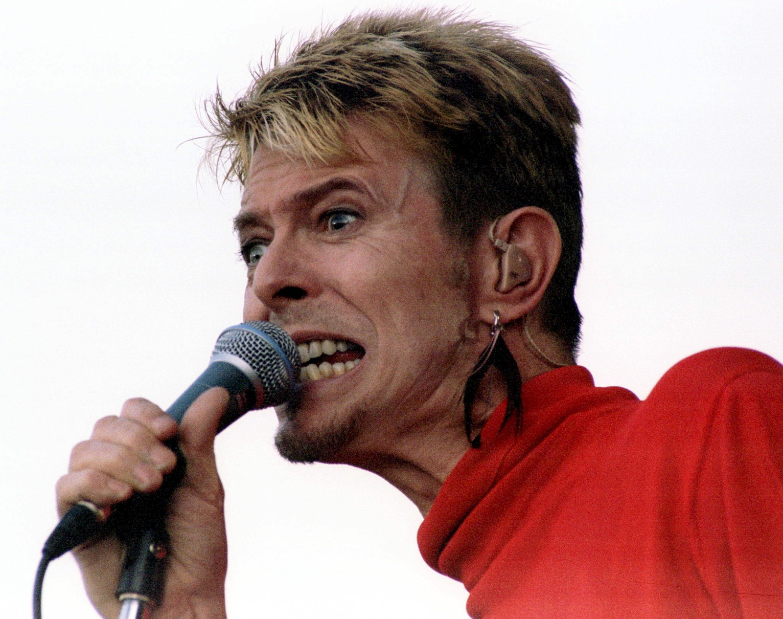 "David Bowie opptrer på festivalen ""Out In The Green"" i Frauenfeld i Sveits, 13. juli 1997."