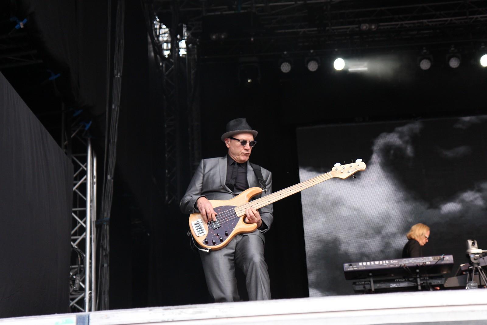 Matt Bissonette er bassisten til Elton John.