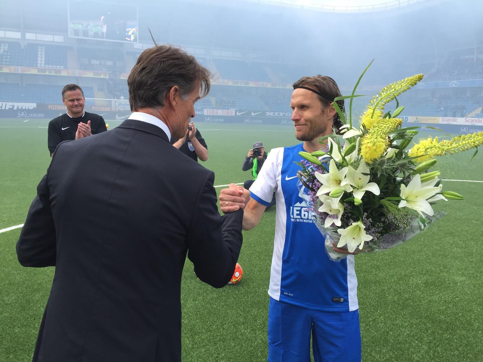 HYLLES: Molde-legenden blir behandlet som en konge på Aker Stadion i dag.