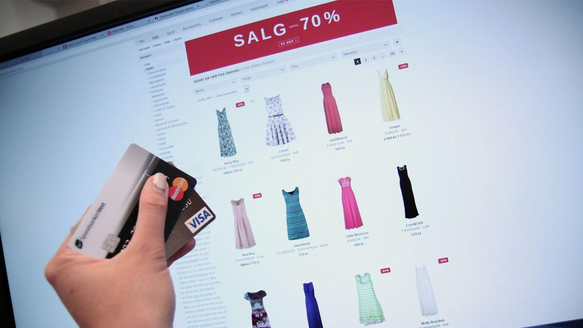 55f70e23 Betaler fortsatt med «feil» kort – NRK Livsstil – Tips, råd og innsikt