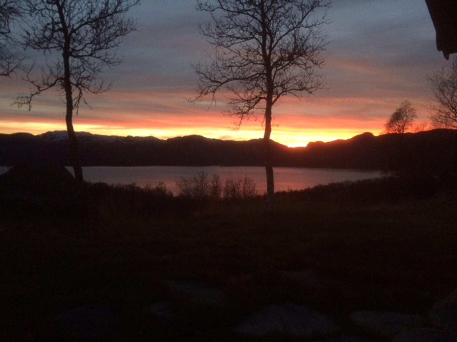 Solnedgang over Møsstrond 4