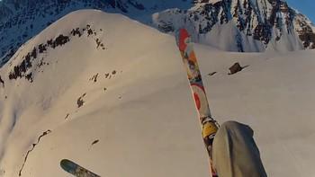 Fabrice Celine skiglider nedover Mikkeldalsrabben i Nuvsvåg i Loppa kommune.