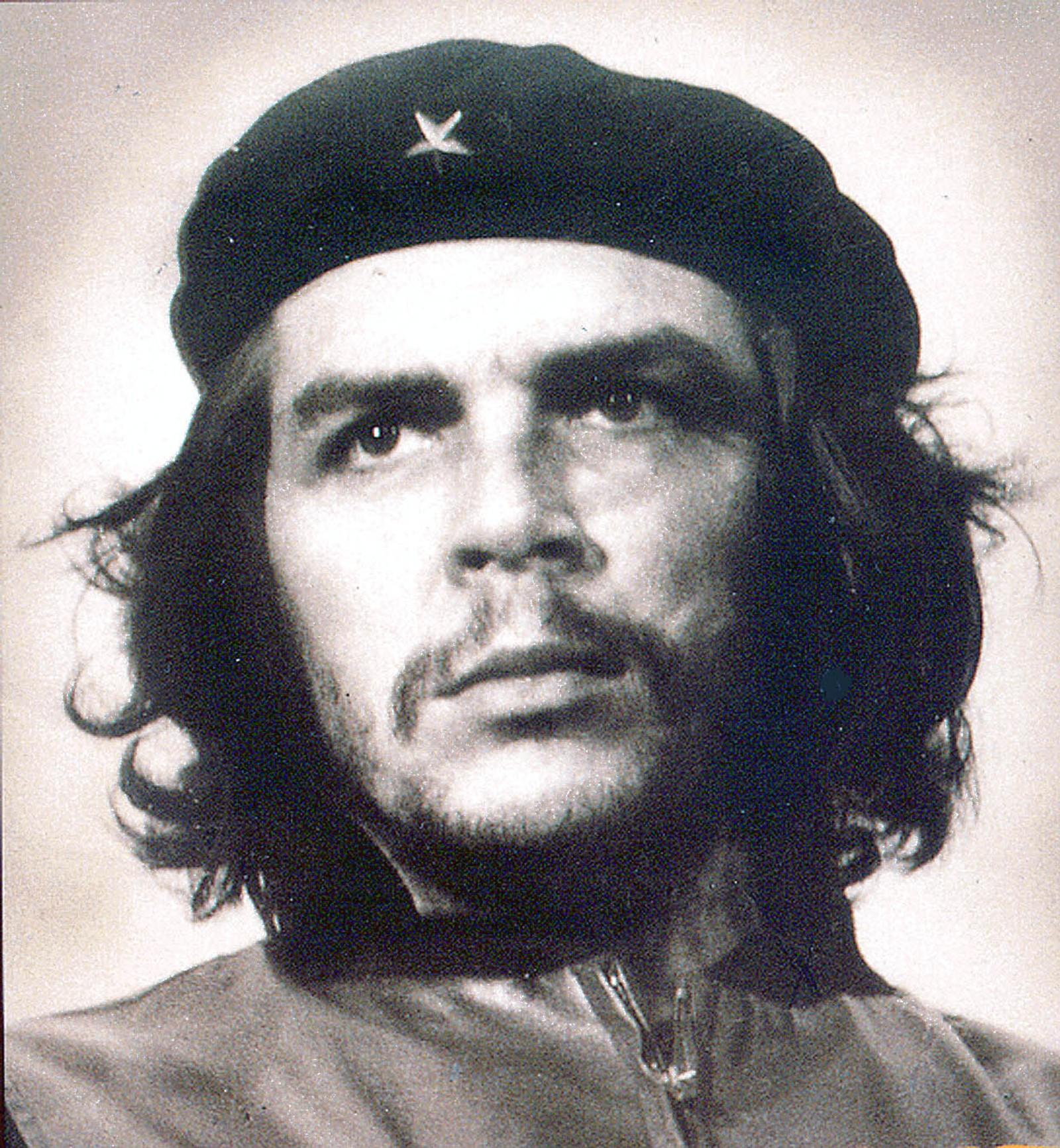 GERILJALEDEREN: Portrett av Che Guevara, som var sentral i den kubanske revolusjonen på 50-tallet. Han ble senere minister i regjeringen som ble dannet etter revolusjonen.
