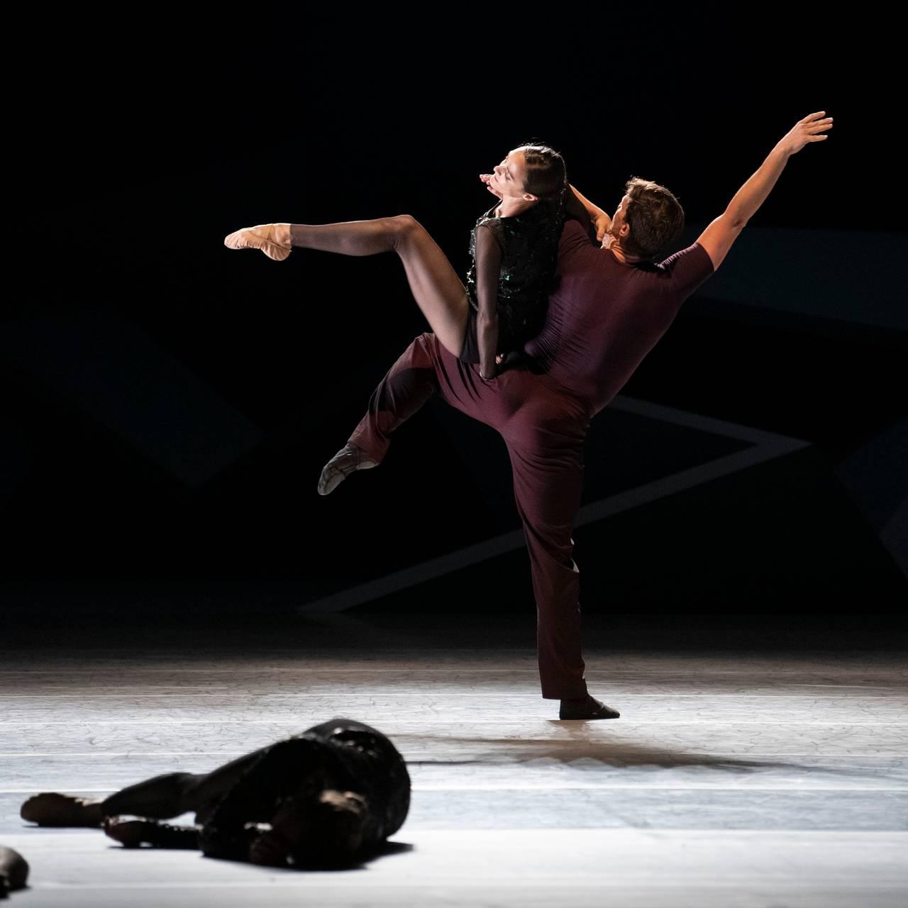Natasha Dale og Yoel Carreño i balletten