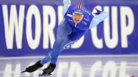 Håvard Lorentzen går 500-meteren på skøyter i årets verdenscupåpning