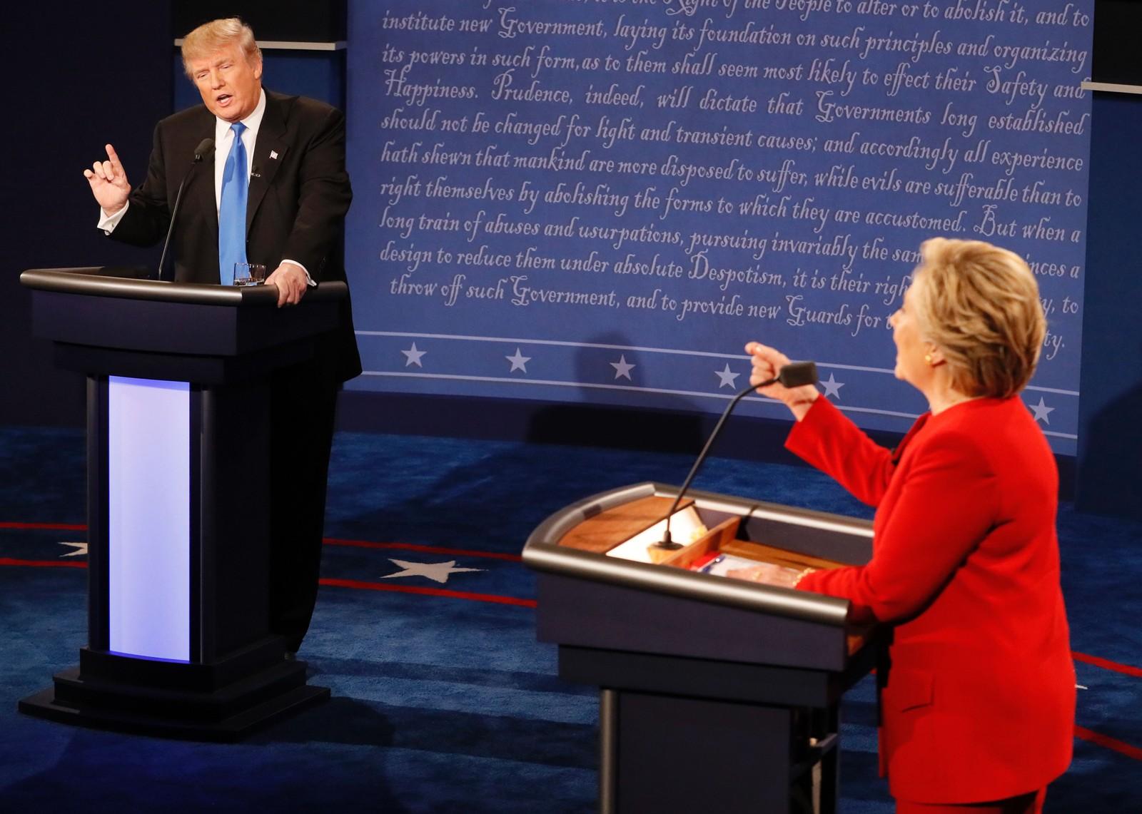 I løpet av debatten ble fingre pekt, både til værs og mot hverandre.