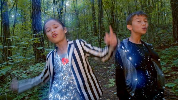 """<span class=""""kicker-title"""">Sangfoni:</span>Skogen er et perfekt sted å synge og danse"""