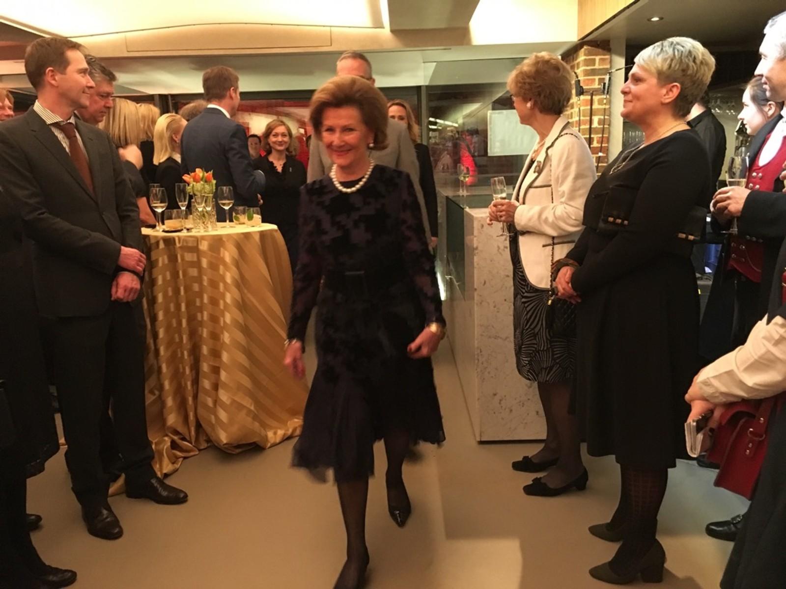 Dronning Sonja var heidersgjest på onsdagens opning.