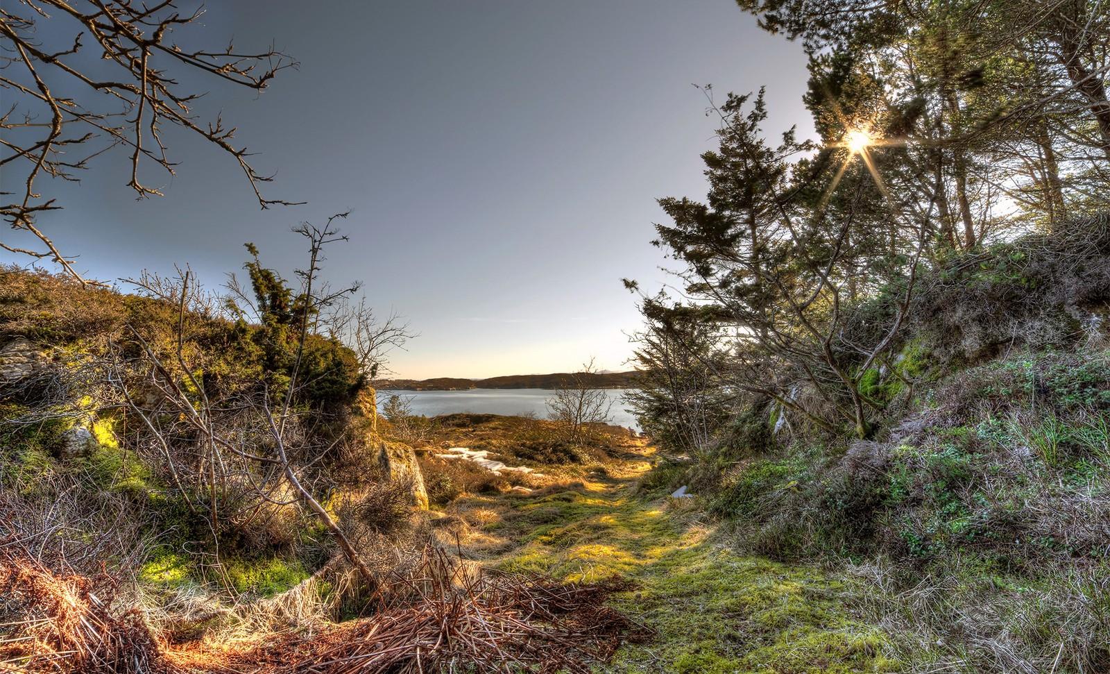 På gamle stier på Frøya