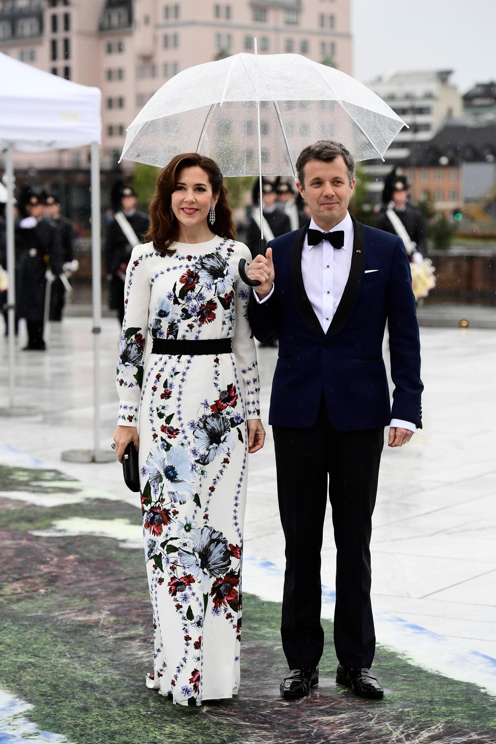Danske kronprinsesse Mary og kronprins Frederik deltar i feiringen.