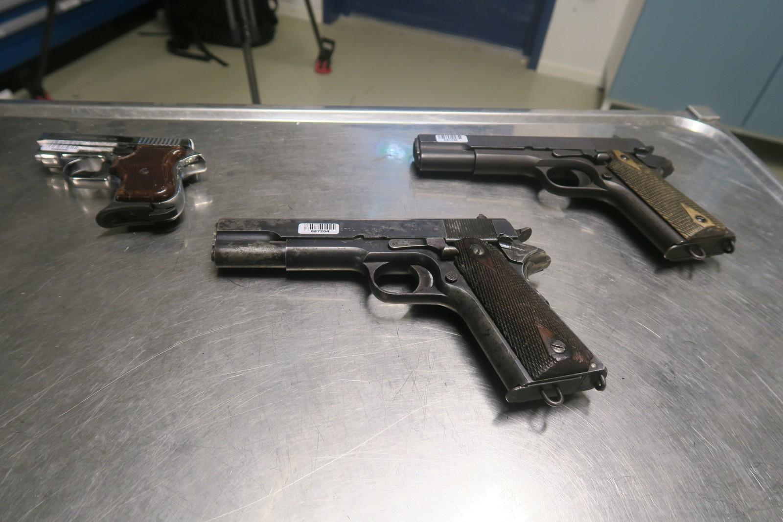 Kripos sender hvert år rundt 8000 våpen til destruering. Våpnene hakkes opp og metallet kan brukes i for eksempel armeringsjern og spiker.