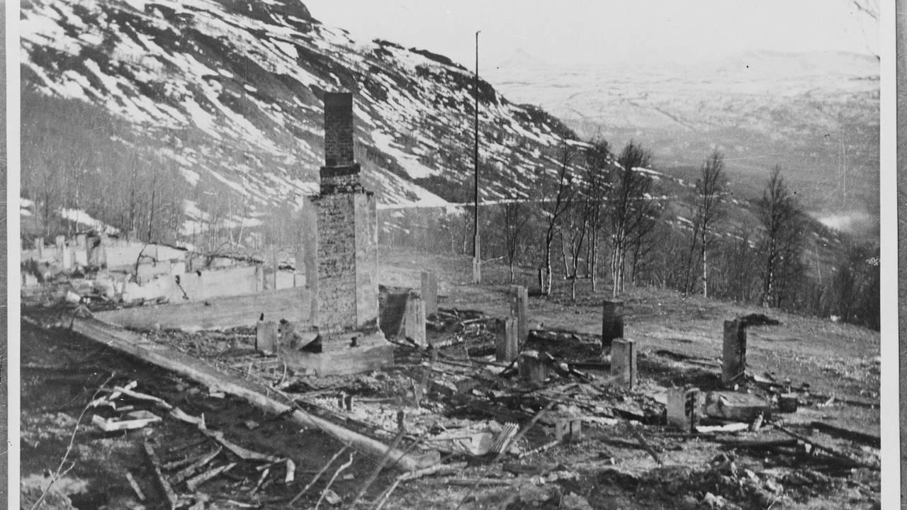 Narvikfronten i Gratangen, ruinene av turiststasjonen