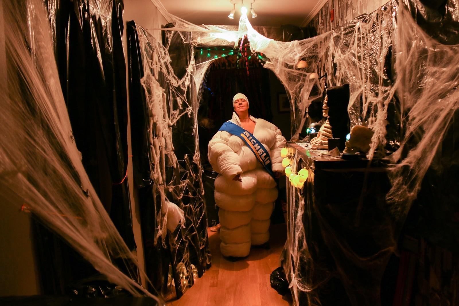 Velkommen inn i Halloween-verdenen til Oddbjørg.