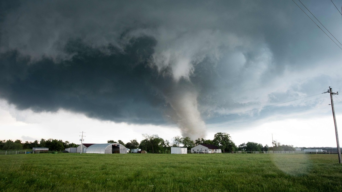 UTSATT: Tornado ødelegger et bebygd område i Oklahoma 2016