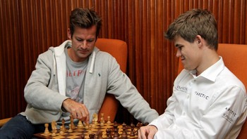 Jon Almaas og Magnus Carlsen