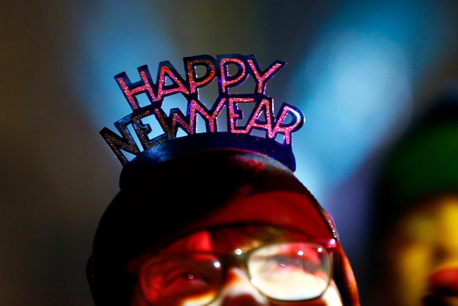 KÖLN: Godt nytt år ønskerdenne kvinnen i Köln i Tyskland.