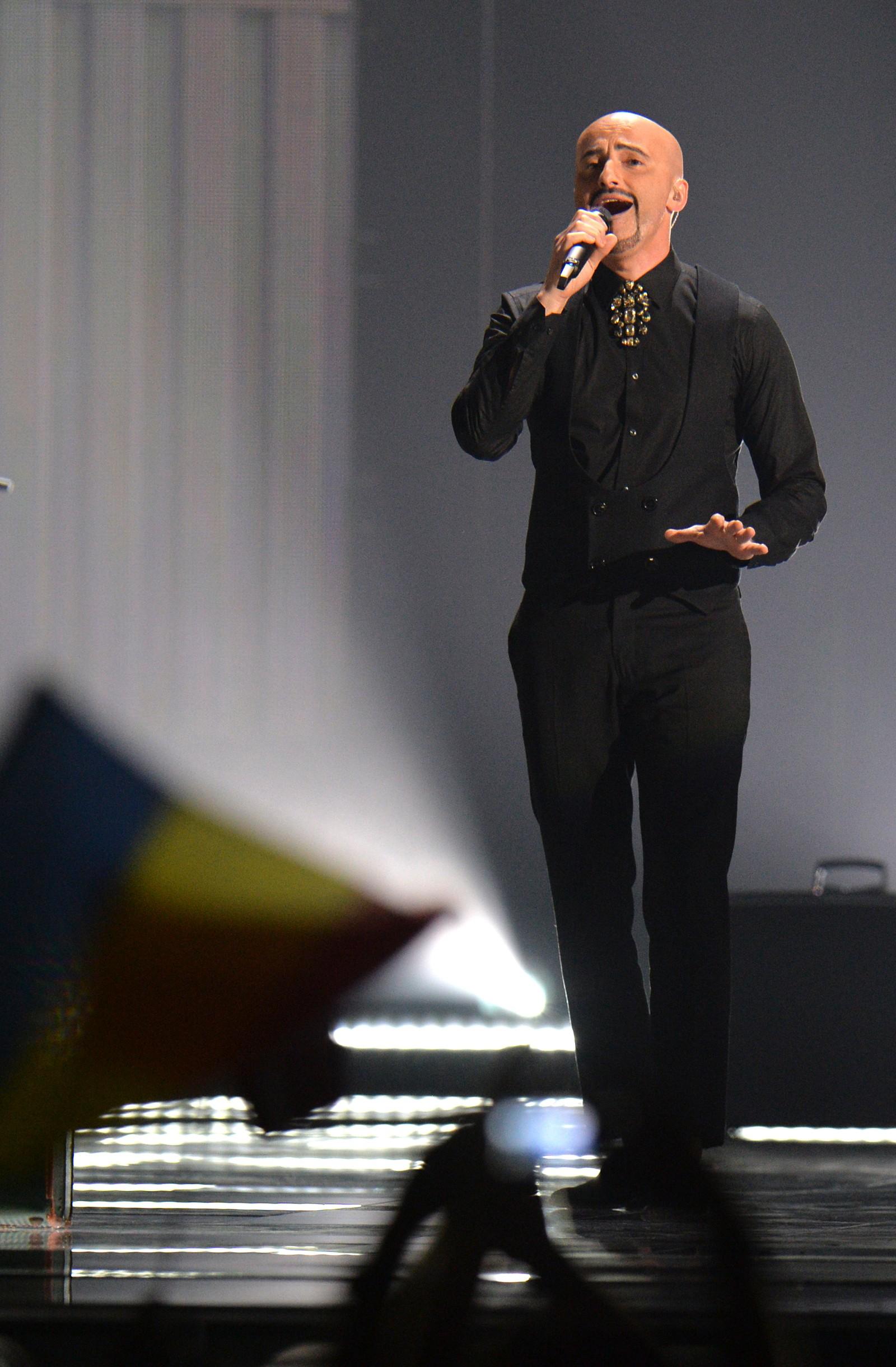 20. ROMANIA: Av tolv finalebidrag, var det til slutt bandet Voltaj med «De la capăt» som til slutt ble stemt fram som vinner av jury og folket i Romania. Bandet er meget populært i hjemlandet og har flere millioner fans.