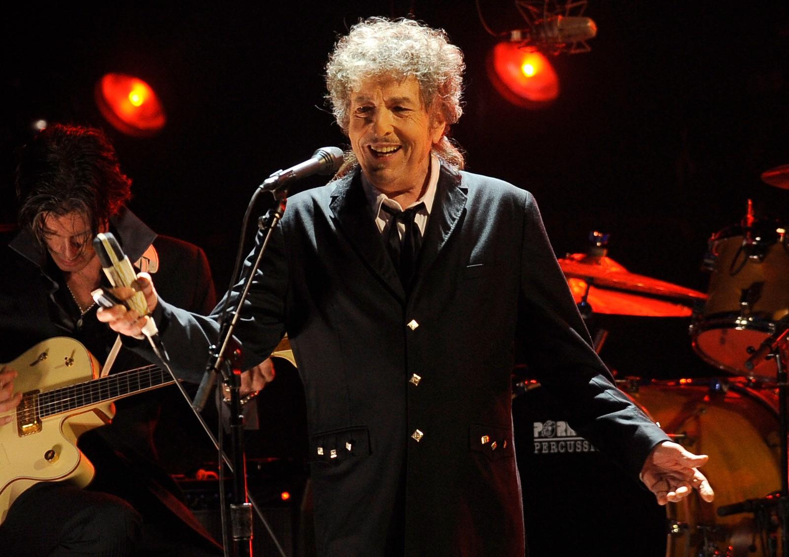 Bob Dylan på scenen i Los Angeles i 2012.