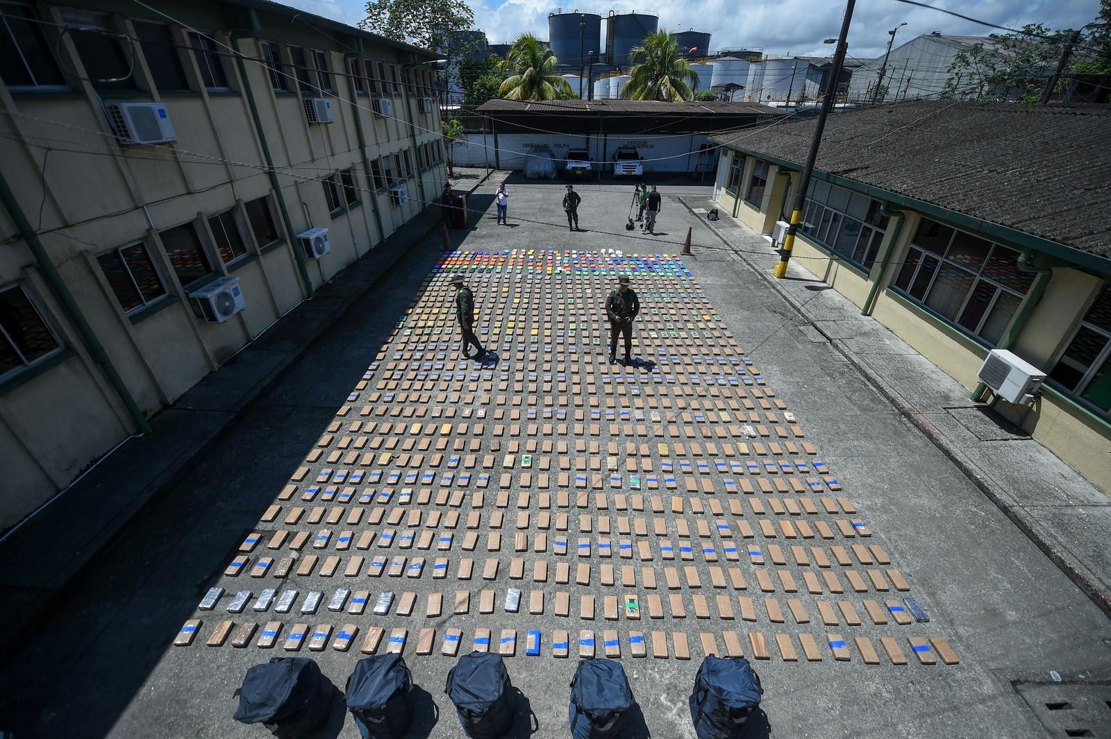 Dette partiet med ett tonn kokain ble beslaglagt i Buenaventura i Colombia torsdag. Politiet mener det er landet største narkogjeng El Clan del Golfo som står bak «forsendelsen», som skulle til Europa.