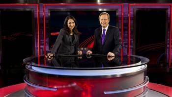 TV2 nyhetsstudio med Mah-Rukh Ali og Arill Riise