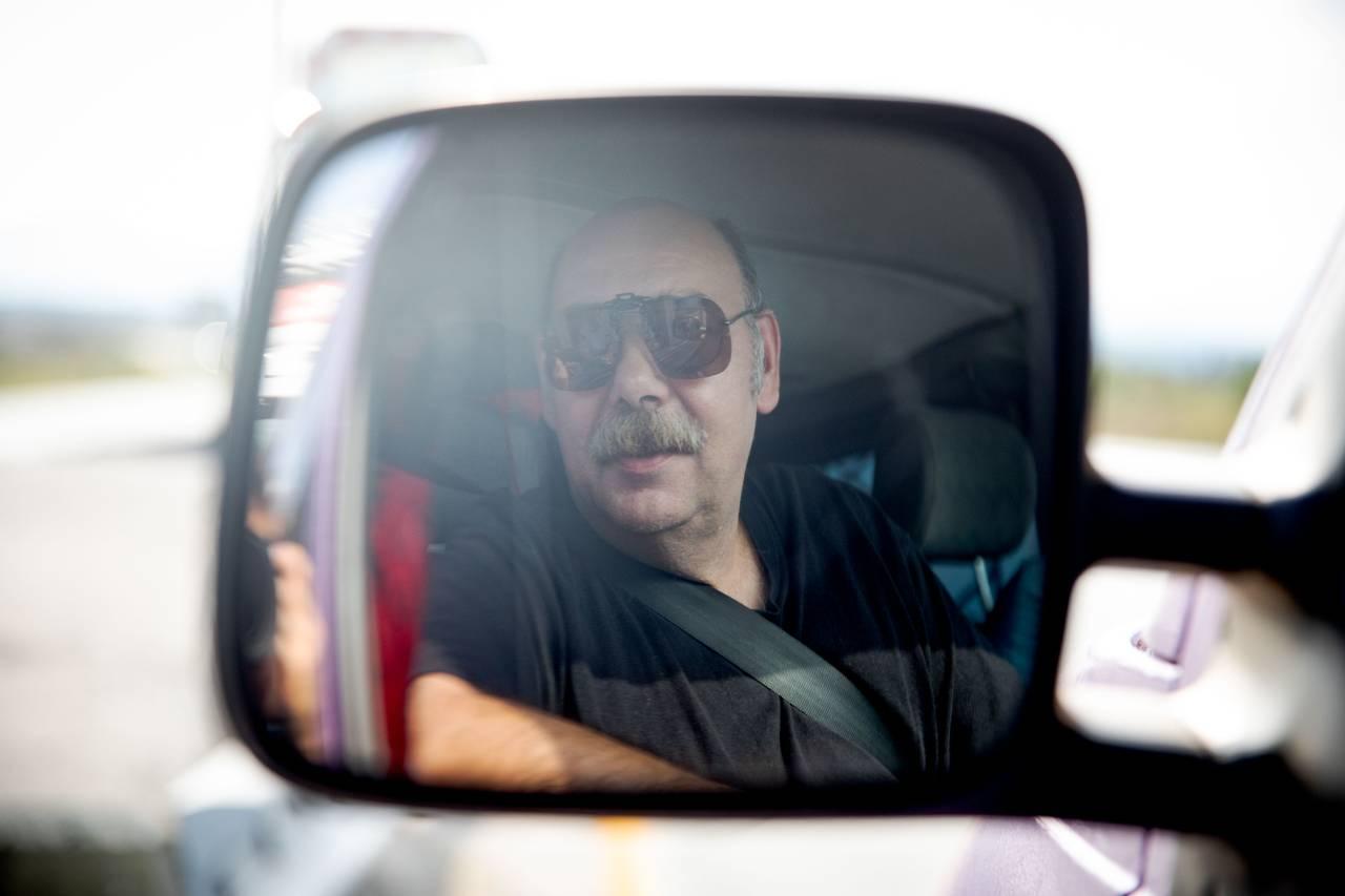 Bilist i speilet
