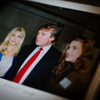 Marla Maples, Donald Trump og Eli Nessa saman i 1991