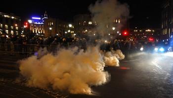 Politiet brukte tåregass mot demonstrantene
