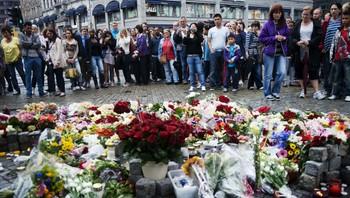 Blomster foran Oslo domkirke