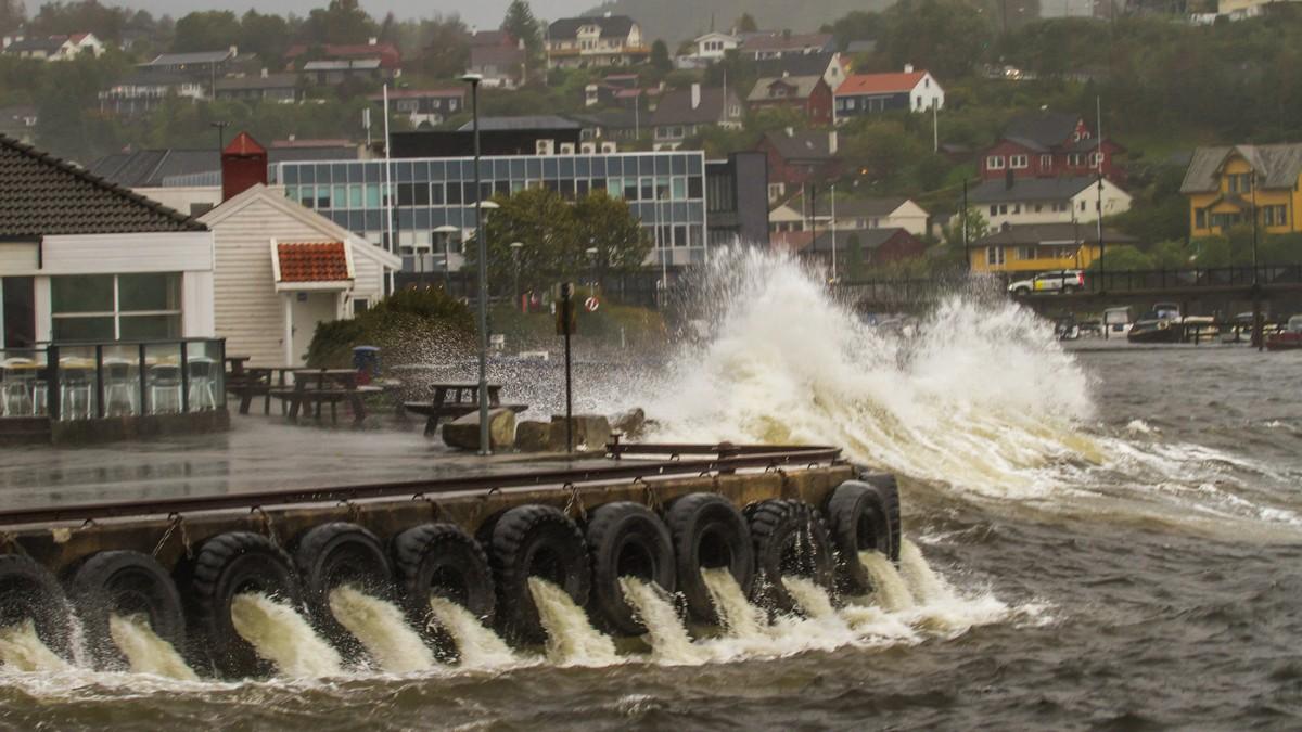 Uvær i Os - Foto: Jan Petter Svendal