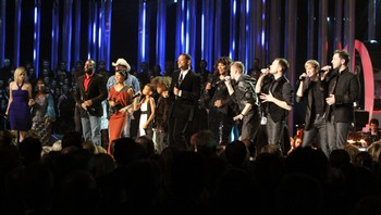 Alle artistene var med på avslutningsnummeret på Nobelkonserten.