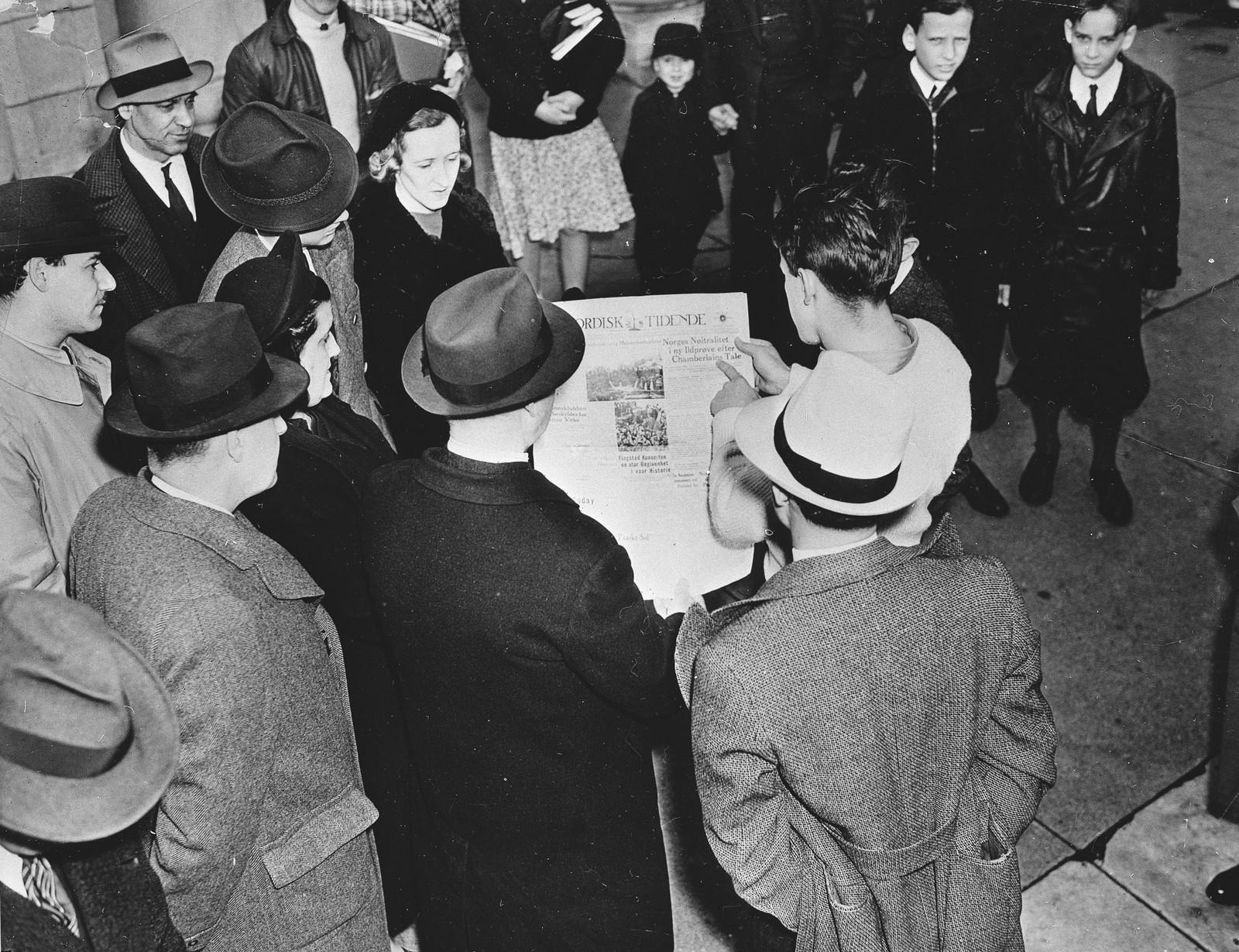 I New York leser folk om invasjonen i den norske avisen Norsk Tidend 10. april 1940.