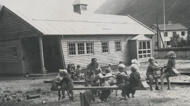 Barnehagen som Høyanger Sanitetsforening bygde i 1953.