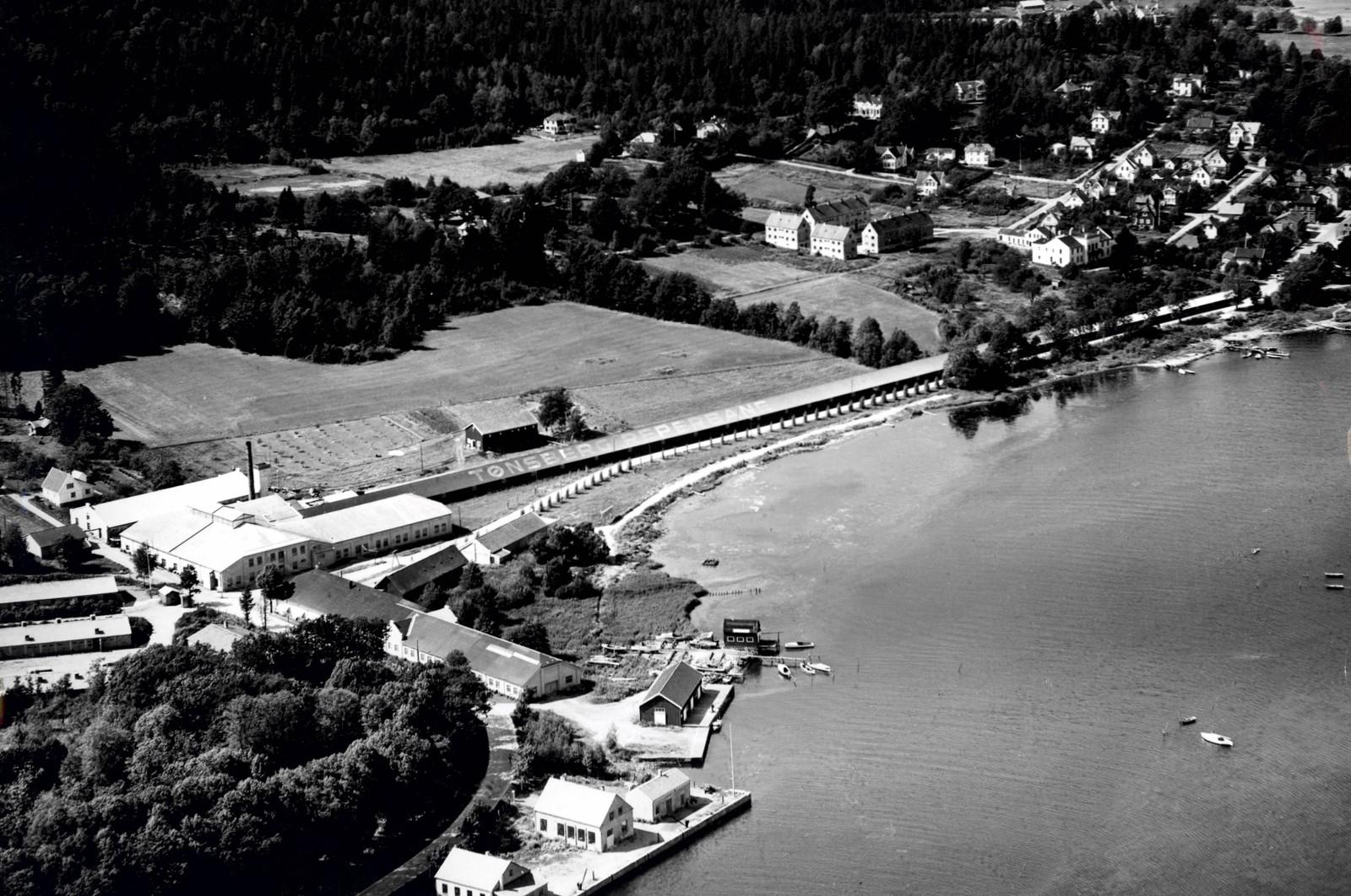 Flyfoto 1947. Foto: Widerøe
