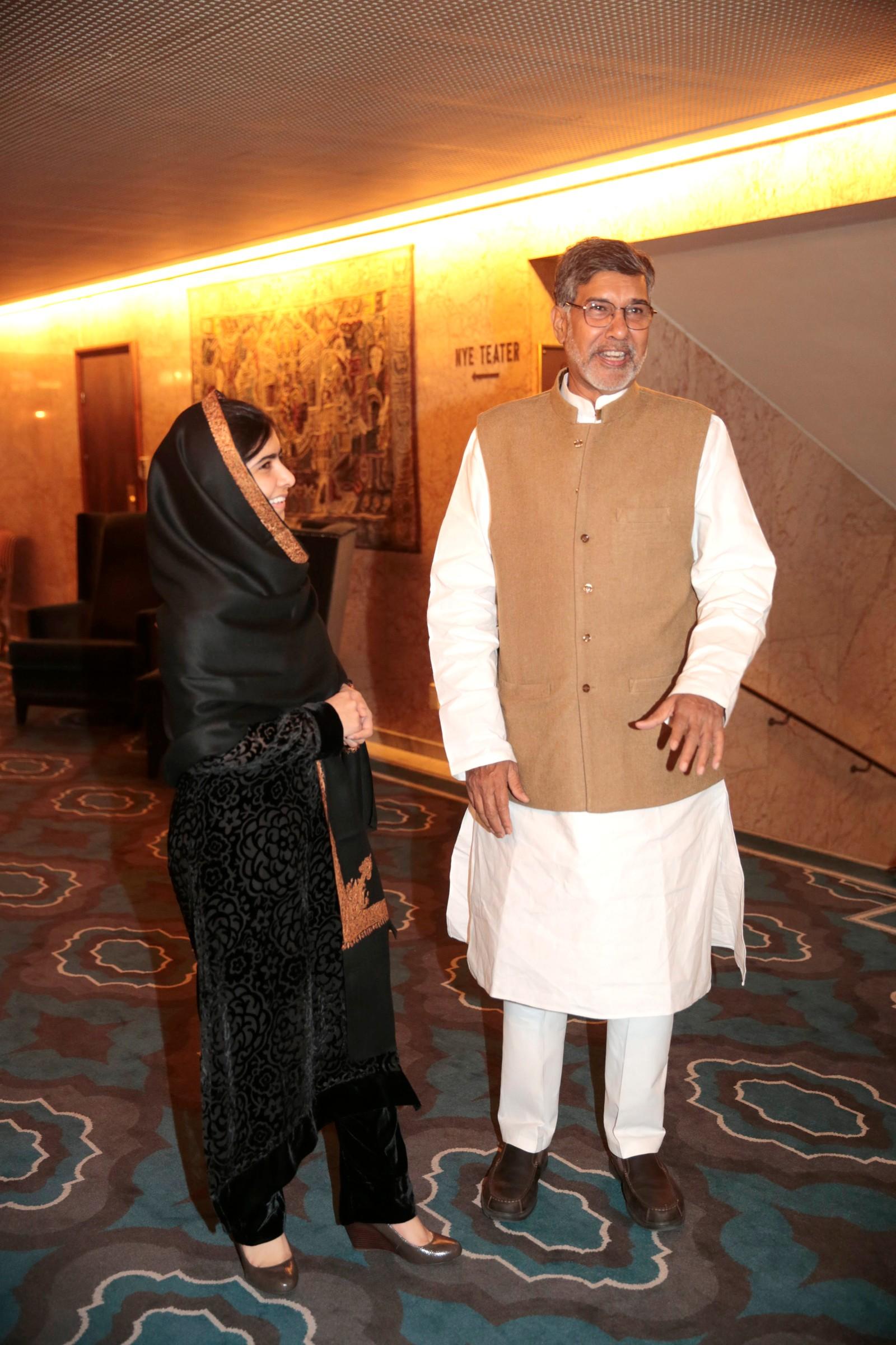 BANKETT: Malala Yousafzai og Kailash Satyarthi er klare for banketten på Grand Hotel onsdag kveld.
