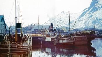 MS Børøysund i Svolvær-havn under krigen