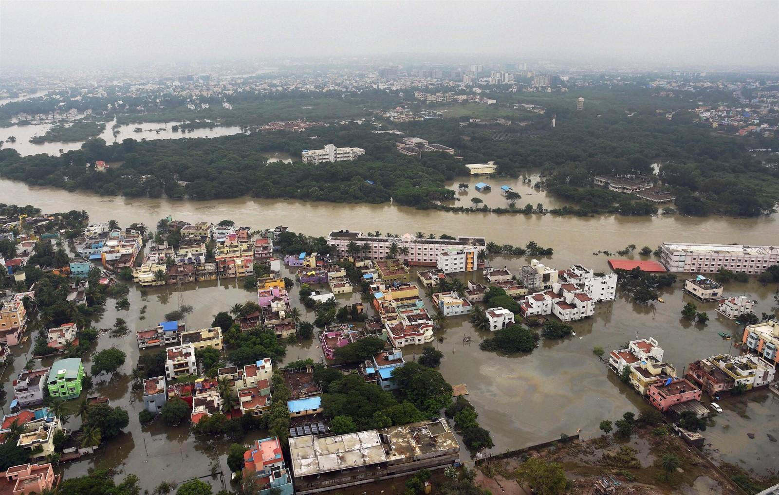Oversiktsbilde over flomrammede Chennai 3. desember. Dette er det kraftigste regnfallet på hundre år i delstaten Tamil Nadu i India.