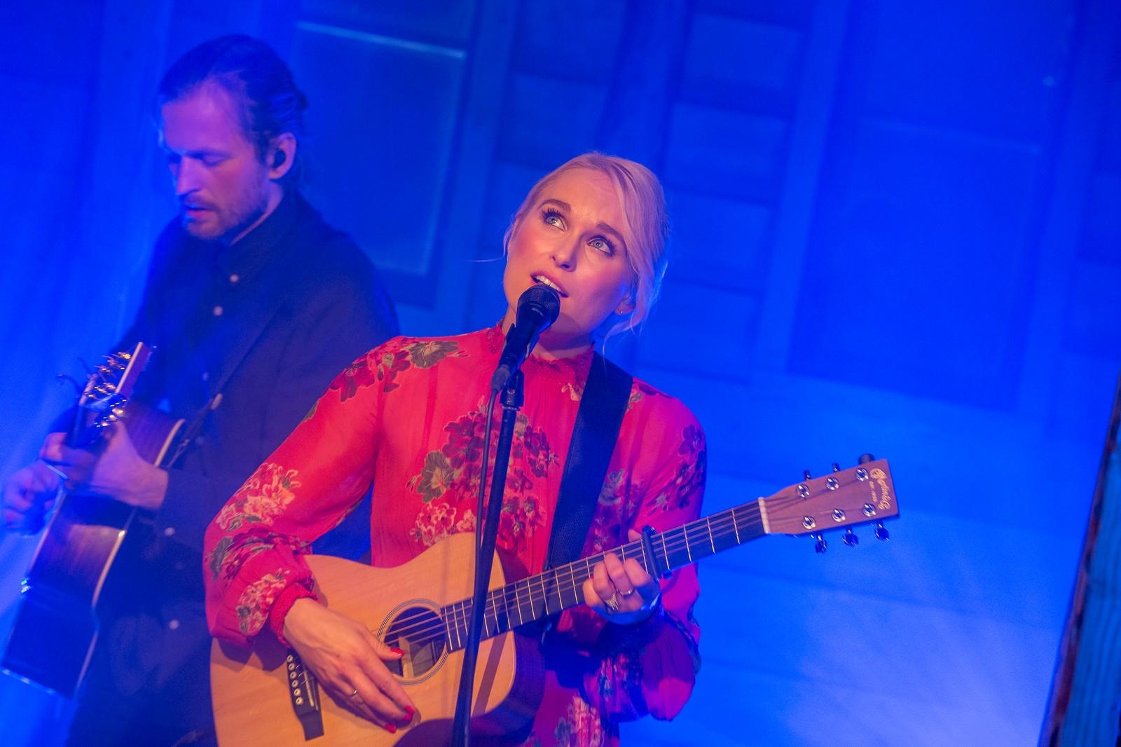 – Heile dagen er berre heilt magisk, sa Eva Weel Skram til NRK før ho gjekk på scena inne i konsertlåven.