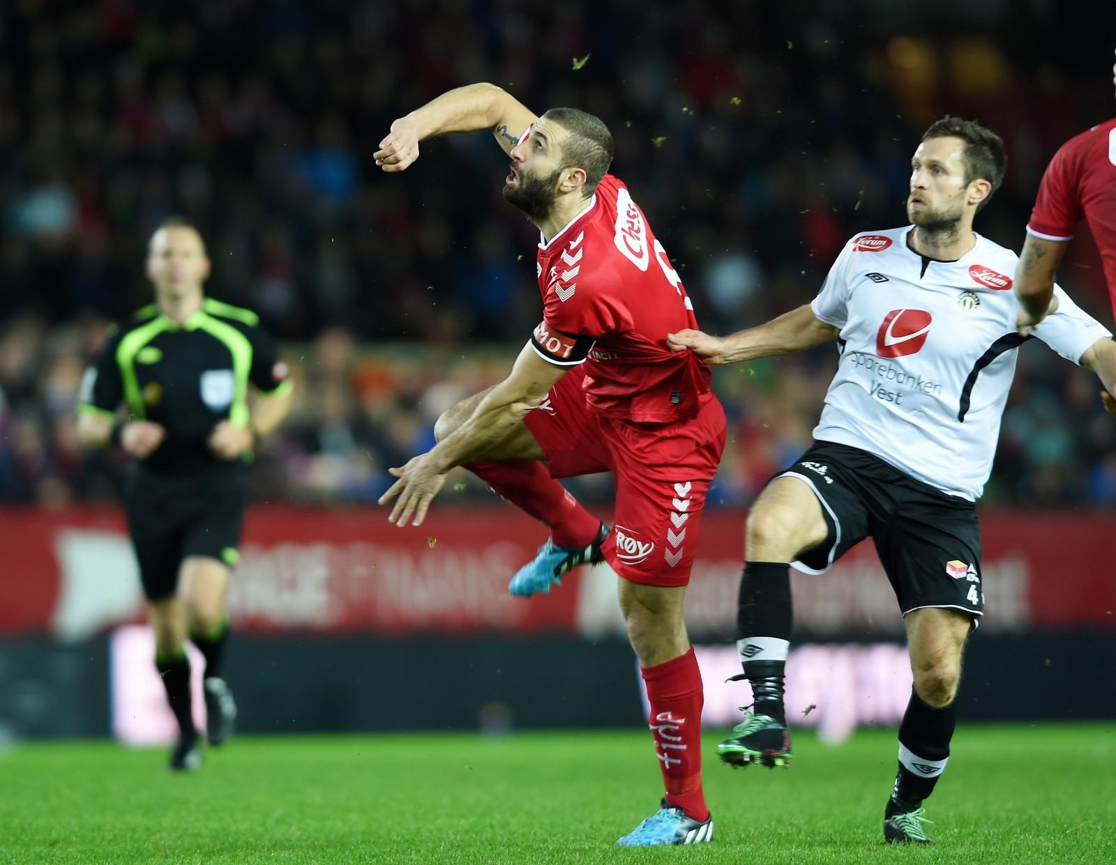 Karadas gir alt i nedrykkskamp mot gamleklubben Sogndal i 2014.