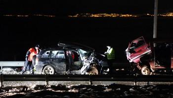 To biler frontkolliderte på Fv 715