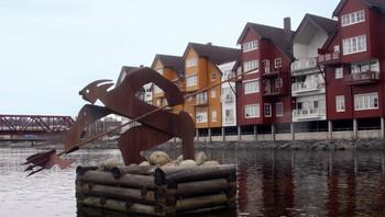 Kjerrakaillen ved Holmen, Steinkjerelva