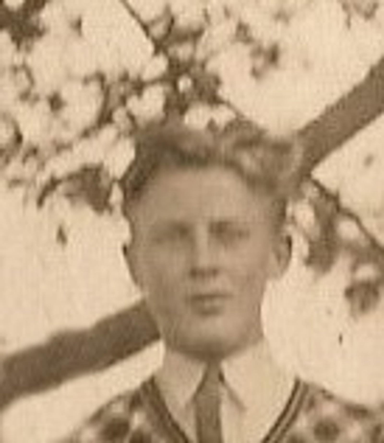 Torgeir Gulbrandsen: Elektromontør, bodde i Sør-Odal. Falt under bombeangrepet 11.april.