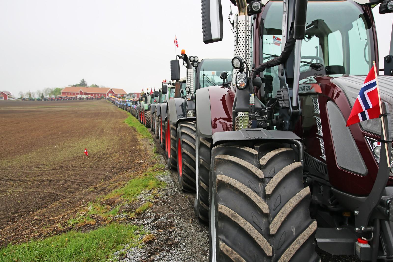 Traktortog på Tjelta i Sola.