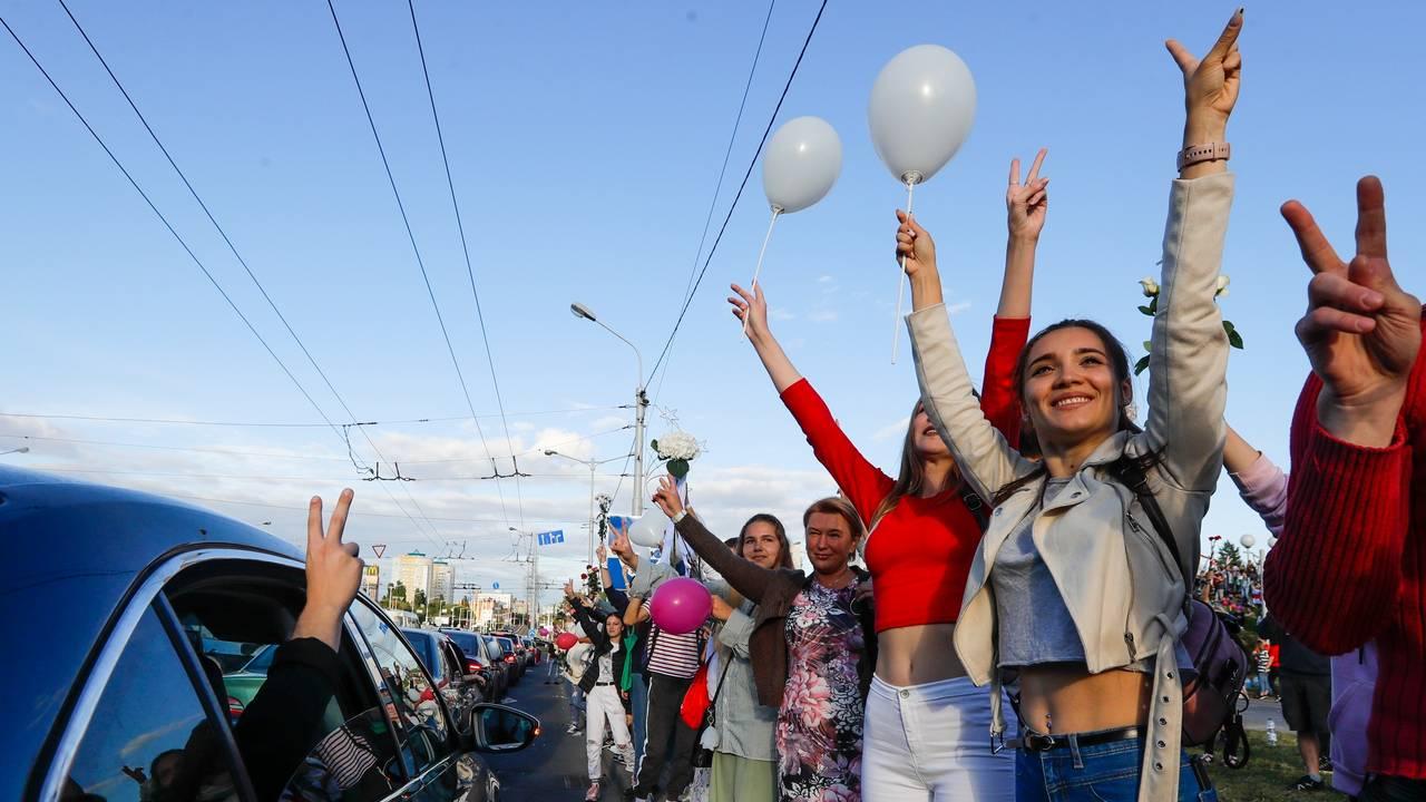 Unge hviterussere demonstrerer i Minsk, Hviterussland