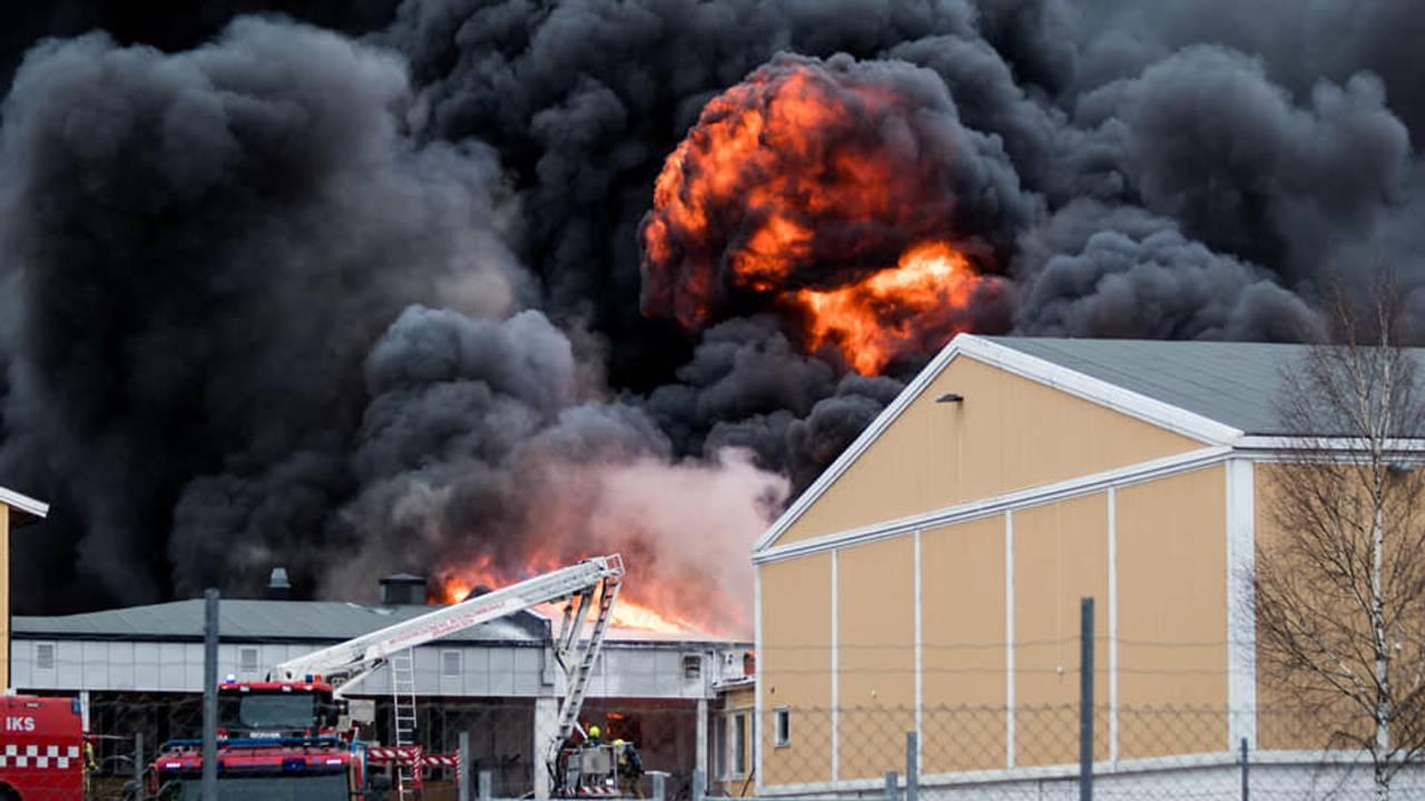 Kraftig brann på Våler ungdomsskole.