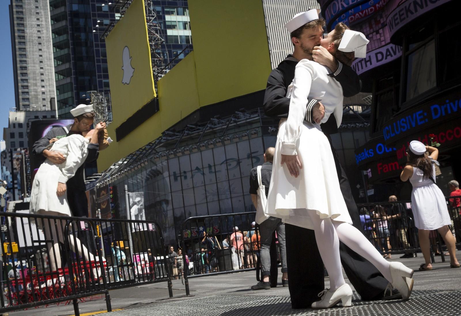 Skuespillere gjenskapte denne uka det legendariske bildet tatt på Times Square i New York i 1945, da seieren over Japan var et faktum.