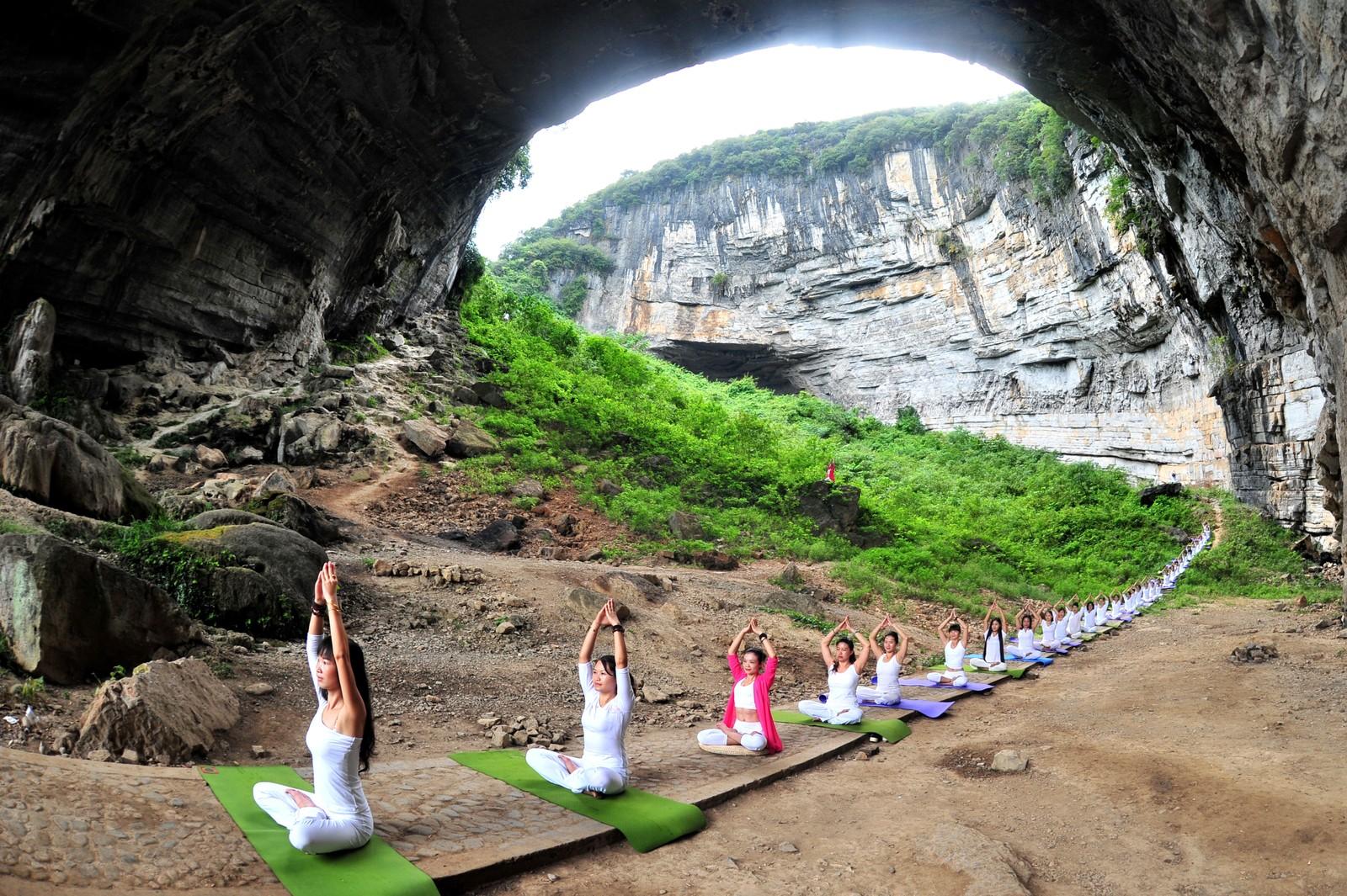 Yoga i Yueyanggotten i Daoxian i Hunanprovinsen i Kina.
